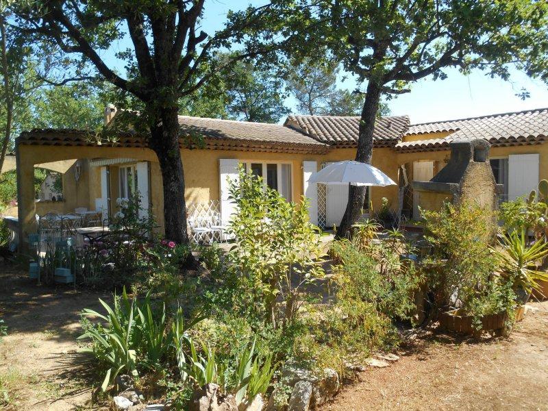 Latest villa m pices fayence uac with prix sous sol 100m2 for Prix chalet bois 100m2